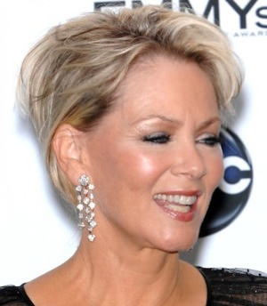 Flattering Hairstyles for Women Over 60, Haircuts for Women Over ...